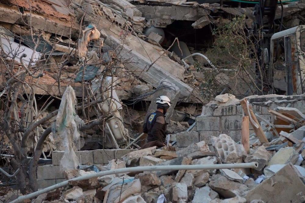 FÉVRIER – SYRIE L'hôpital MSF de Maarat Al-Nouman dans le nord de laSyrie est bombardé le 15 février par la coalition gouvernementale, tuant 25 personnes. Dans un rapport paru quelques jours plus tard, MSF recense une centaine d'attaques sur les hôpitaux et dispensaires qu'elle a soutenus en Syrie tout au long de l'année 2015. © MSF FÉVRIER – SYRIEL'hôpital MSF de Maarat Al-Nouman dans le nord de laSyrie est bombardé le 15 février par la coalition gouvernementale, tuant 25 personnes. Dans un rapport paru quelques jours plus tard, MSF recense une centaine d'attaques sur les hôpitaux et dispensaires qu'elle a soutenus en Syrie tout au long de l'année 2015. © MSF