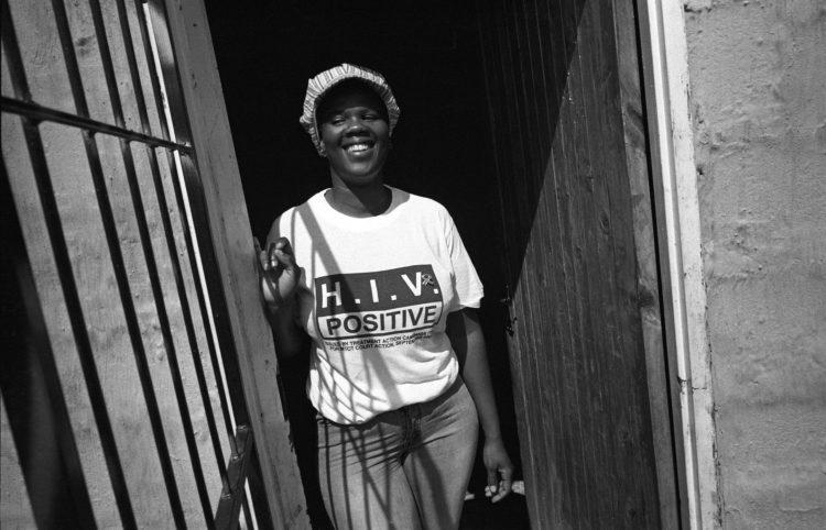 Novembre 2003. Nolubabalo Madondile, 29 ans, esttravailleuse bénévole pour MSF. Elle est séropositive et mère d'un enfant dedeux ans qui, lui, est séronégatif.